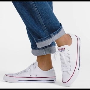 Converse / Optical White Low Tops